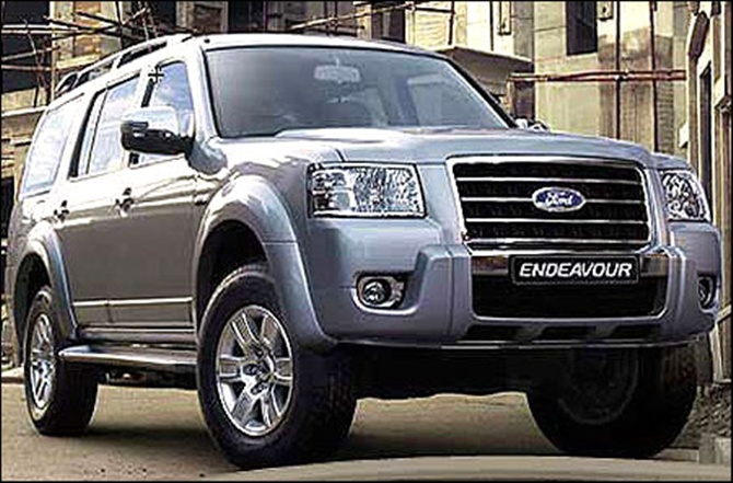 2014 Ford Endeavour Facelift Launched In India For Rs 19