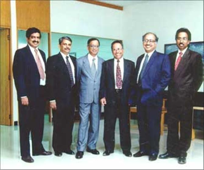 Infosys founders (L- R): Nandan Nilekani, S Gopalakrishnan, Narayana Murthy, N S Raghavan, K Dinesh and S D Shibulal.