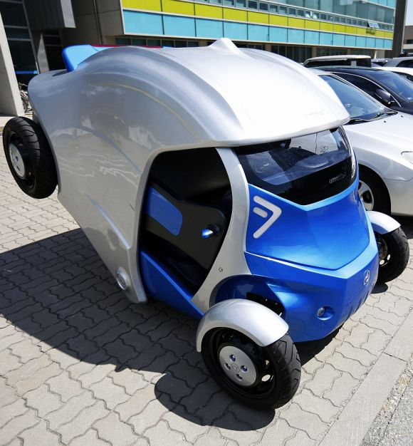 Armadillo-T, a foldable electric vehicle.