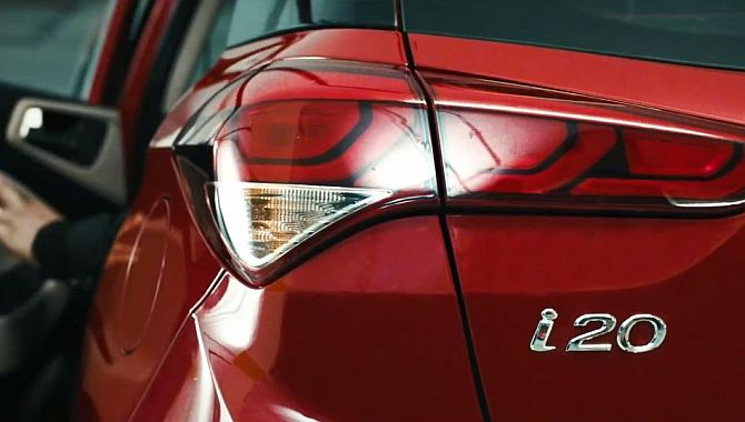 Hyundai launches Elite i20; price starts at Rs 4.9 lakh