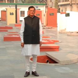 Dr Bindeshwar Pathak