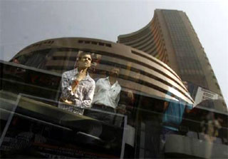 Top 7 Sensex blue-chips lose Rs 18k cr in m-cap