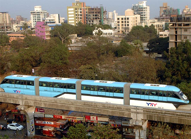 Mumbai monorail turns out to be a big hit
