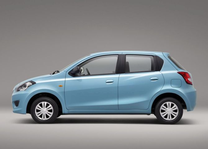 nissan to introduce 3 variants of its small car datsun go business. Black Bedroom Furniture Sets. Home Design Ideas
