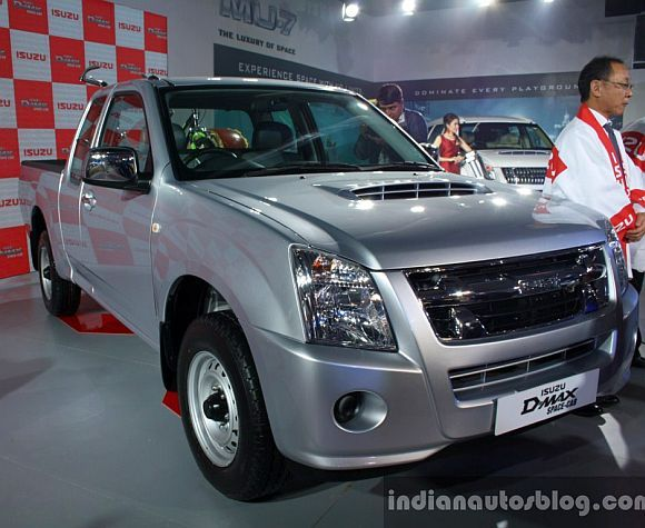 Auto Expo 2014: Isuzu launches D-Max Space Cab pickup truck