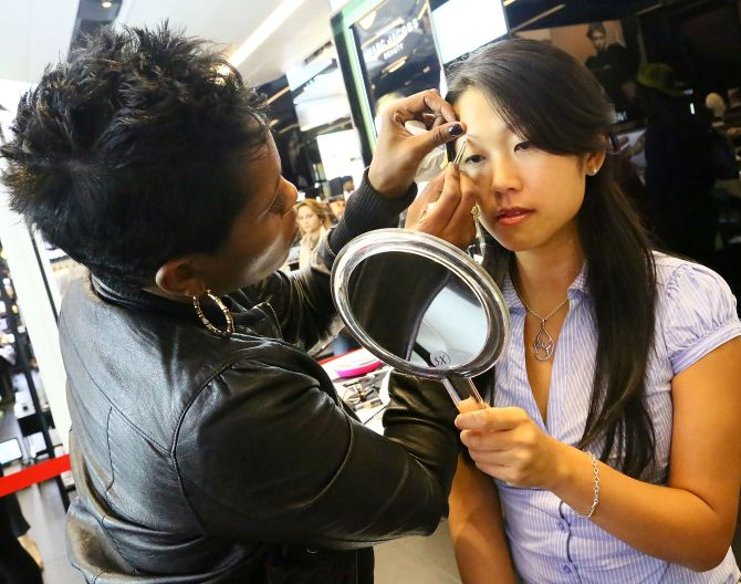 Indian-American jobs at stake over Texas eyebrow threading rule