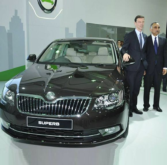 Skoda launches new Superb; price starts at Rs 18.87 lakh