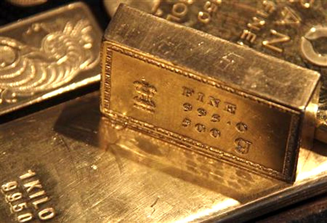 Gold smuggling rises in 2013-14: Govt