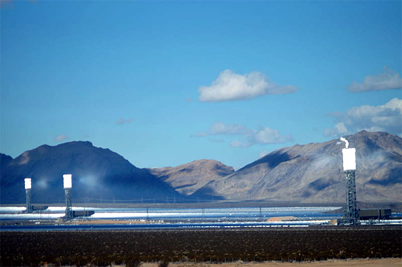 Ivanpah Solar Power Facility (California).
