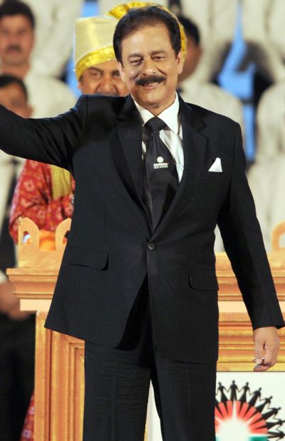 Sahara chief Subrata Roy in happier times.