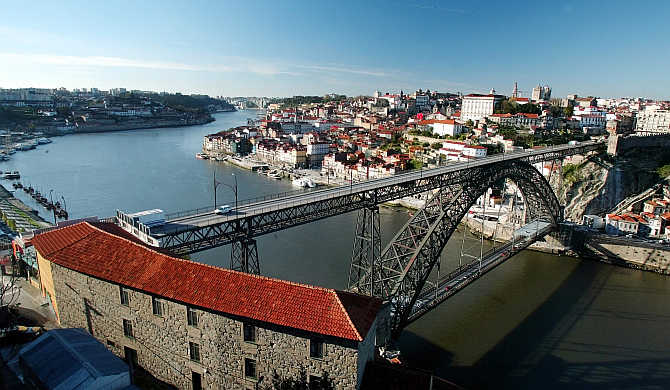 A view of the Douro river and the old downtown of Oporto, Portugal.
