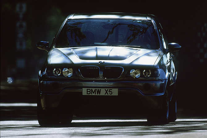 Iconic images capture the beauty of BMW