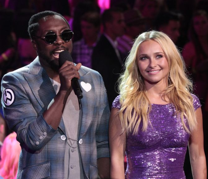 US rapper will.i.am and actress Hayden Panettiere speak at the Teen Choice Awards.