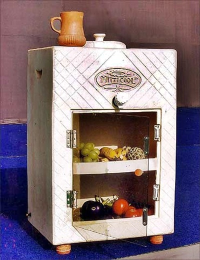 Mitticool, a clay fridge that runs without electricity