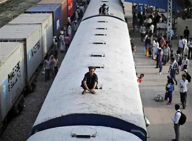 India's overcrowded trains and stations: Will this change?