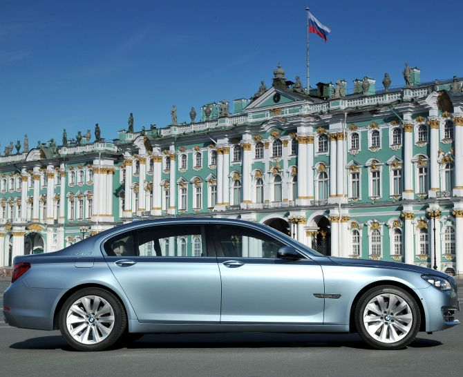 BMW launches 7 Series ActiveHybrid sedan at Rs 1.35 crore