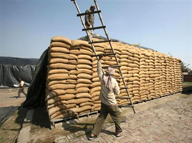 India may not be able to muster a diplomatic coup that can link the trade facilitation treaty implementation with a permanent solution to its food security concerns.