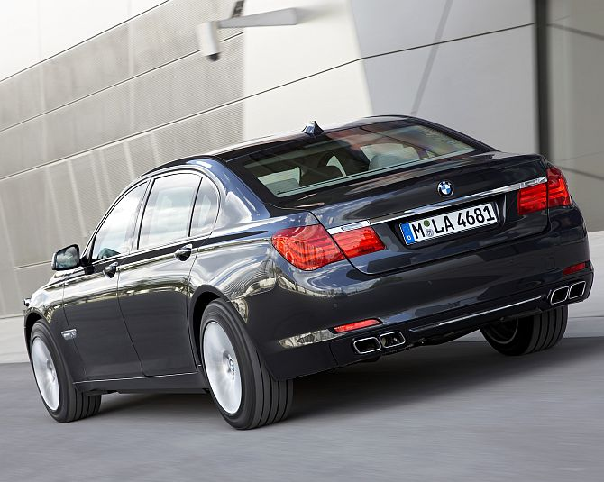 Narendra Modi chooses BMW 7 Series as his official car