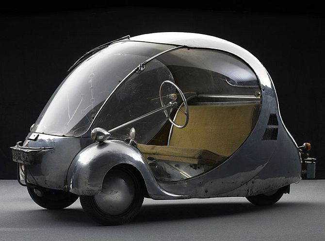 The three-wheeled electric egg.