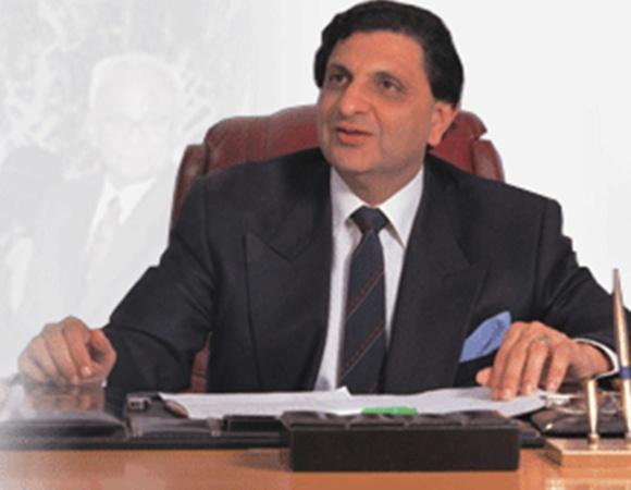 Dr Cyrus S Poonawalla