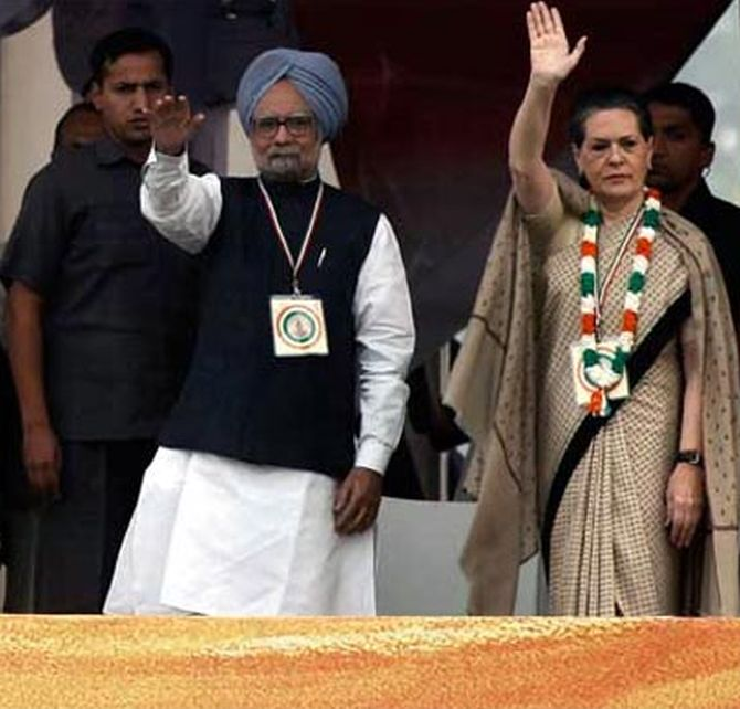 Prime Minister Manmohan Singh with UPA chief Sonia Gandhi