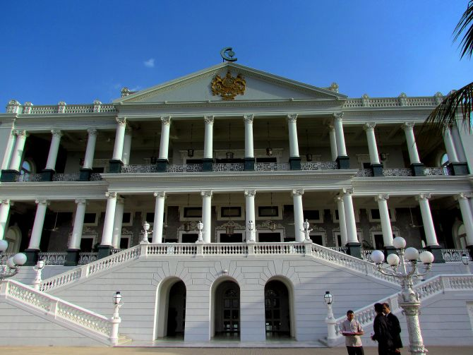 The grand Falaknuma Palace.