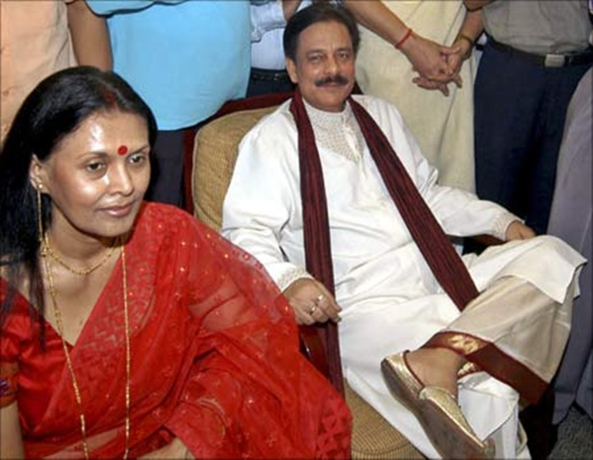 Subrata Roy (R), chairman, Sahara India, with his wife Swapna Roy.