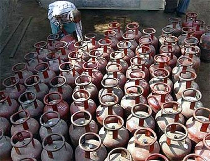 The UPA govt had earlier capped LPG subsidy to four cylinders per year.