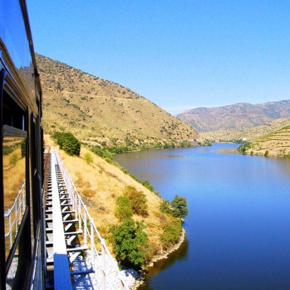 Douro Line train.