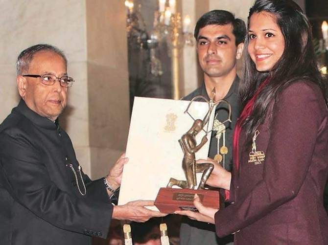 Dipika Pallikal wins case against Axis Bank