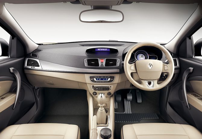 Renault Fluence interior.