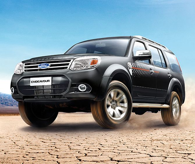 Battle Of Beasts Ford Endeavour Vs Toyota Fortuner