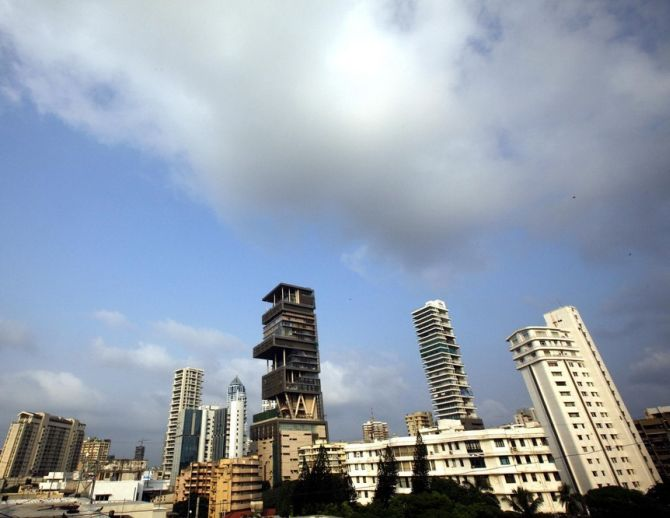 A view of Mukesh Ambani's house (C) Antilia.