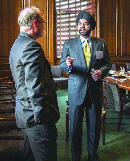 Ajay Banga (R), chief executive officer, MasterCard, too talked about the need to grow sustainably.