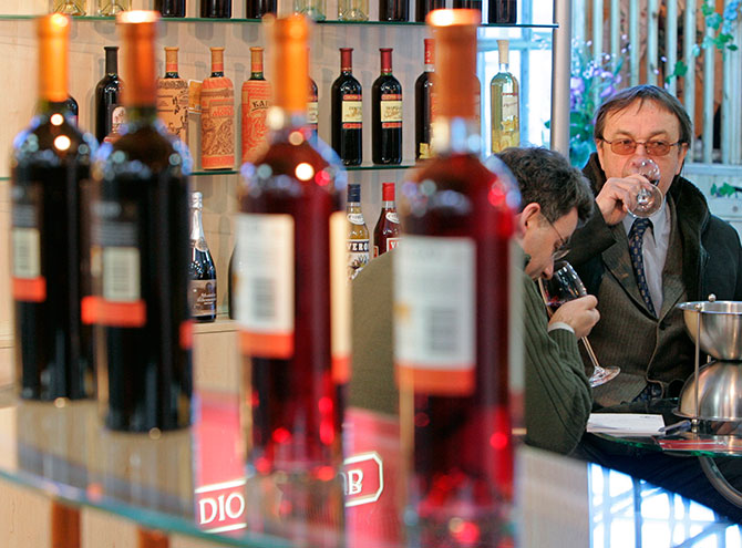 Visitors try wine at the 'Expo Vin Moldova 2007' exhibition in Chisinau.