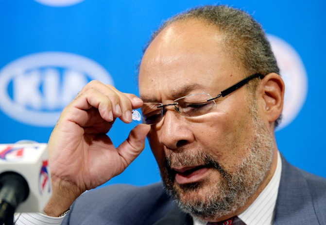Los Angeles Clippers interim CEO Richard Parsons speaks during a news conference at Staples Center in Los Angeles, California May 12, 2014.