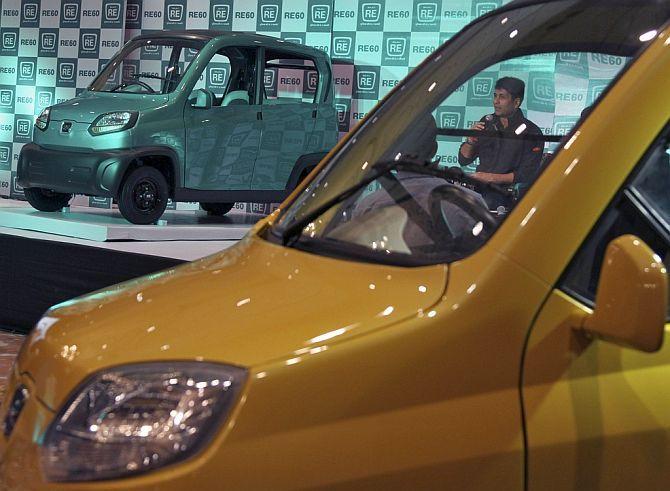 Mahindra readies Quadricycle to take on Bajajs RE60  Rediffcom