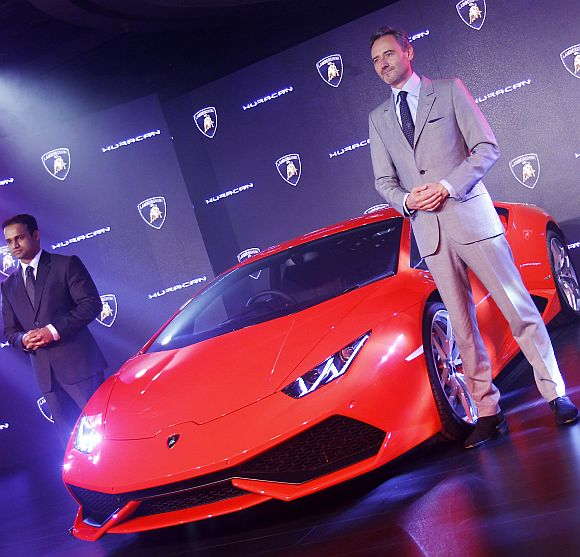 Lamborghini Huracan launched in India at Rs 3.43 crore