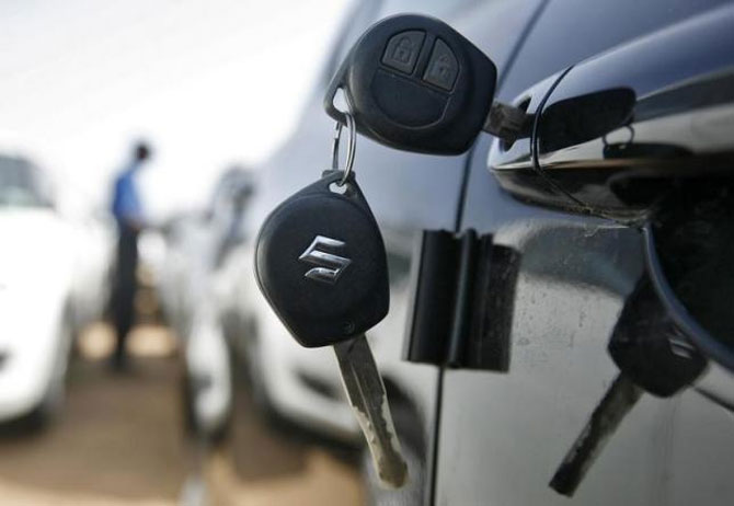 March sees modest growth in car sales