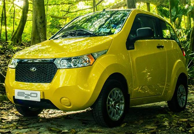 Mahindra Reva launches 'e2o' for Rs 5.59 lakh