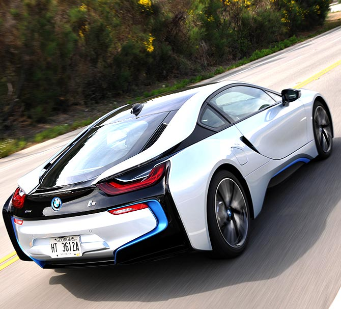 5 Things To Know About The Stunning BMW I8 Supercar
