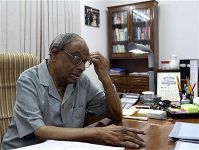 'Either RBI should have majority in monetary policy panel or governor a veto'
