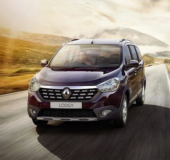 Renault launches crossover MPV Lodgy Premium