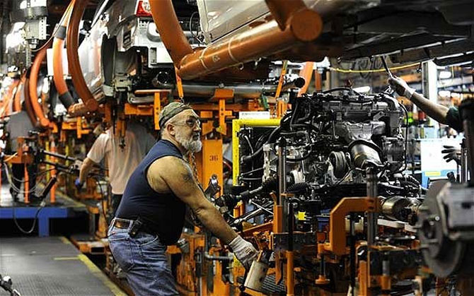 Bad news for Modi's Make in India plan as manufacturing sinks to 4-month low