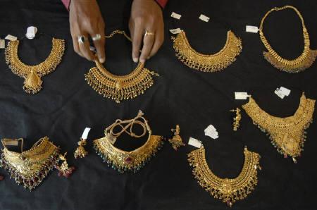 What Makes Zaveri Bazaar The Most Precious Gold Market In India Rediff Com Business