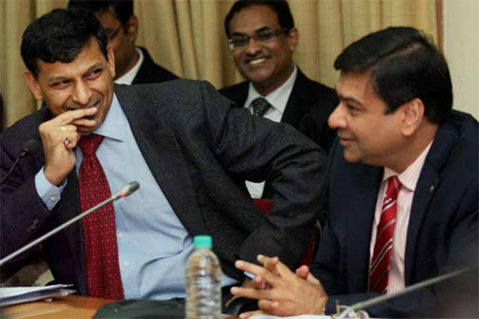 RBI Governor Dr Raghuram Rajan, left, with his successor Dr Urjit Patel. Photograph: PTI Photo