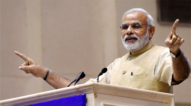 India News - Latest World & Political News - Current News Headlines in India - PM, Irani degrees: HC stays fine imposed on DU