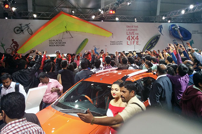 carst at the auto Expo 2016