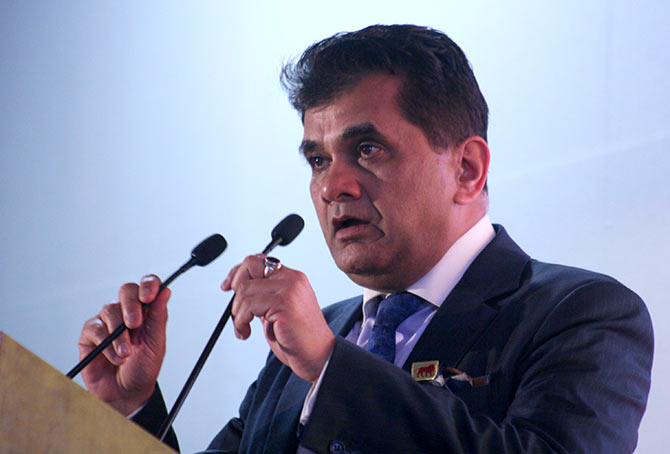 Amitabh Kant, Secretary, Department of Industrial Policy & Promotion addressing the media on the concluding day of Make In India Week