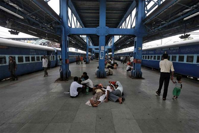 Gujarat has cleanest railway stations, Bihar dirtiest